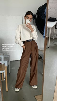 Modest fashion 856387685380888674 - # Outfits femme Source by emmahanquez Aesthetic Fashion, Look Fashion, Aesthetic Clothes, Korean Fashion, Winter Fashion, Brown Fashion, Mode Outfits, Casual Outfits, Fashion Outfits