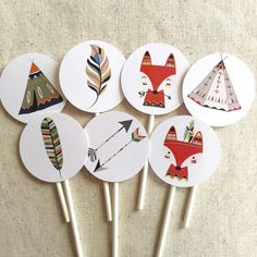 Tribal Cupcake Toppers These cupcake toppers are 2 inches in diameter. They feature various colors of feathers, foxes and teepees, perfect for a tribal or woodland baby shower or birthday party! First Birthday Photos, Baby Birthday, First Birthday Parties, Tribal Baby Shower, Baby Boy Shower, Indian Baby Showers, Tribal Fox, Teepee Party, Party Animals