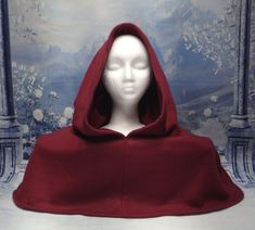 Handmade fleece hood for LARP. Keep warm in costume! Summer Rain, Head & Shoulders, Medieval Fashion, Keep Warm, Larp, Primary Colors, Costumes, Wool, Medium
