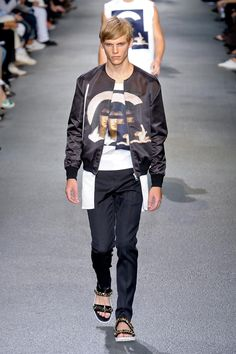 Google Image Result for http://vagarms.files.wordpress.com/2012/07/homme_mode_givenchy_ss13e.jpg
