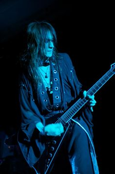SUGIZO. Awesome old man...