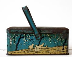 CUTE and wonderful french vintage BLUE Tin Box by RueDesLouves