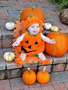Here are 49 quirky and creative baby costume ideas that'll make their first Halloween go off without a hitch. Baby Girl Halloween, Halloween Baby Pictures, Cute Baby Halloween Costumes, Theme Halloween, Halloween Make, First Halloween, Cute Costumes, Baby Pumpkin Costume, Baby In Pumpkin