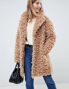 Browse online for the newest ASOS DESIGN coat in fluffy borg styles. Shop easier with ASOS' multiple payments and return options (Ts&Cs apply). Oversized Mantel, Oversized Coat, Fashion Week, Winter Fashion, Womens Fashion, Fashion Trends, Fashion Online, High Fashion, Best Winter Coats