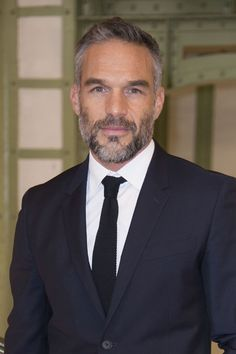 Cool 38 Perfect Silver Hairstyles for Men Over 40 . Beard Styles For Men, Hair And Beard Styles, Hair Styles, Older Mens Hairstyles, Haircuts For Men, Men's Haircuts, Hairy Men, Bearded Men, Mode Bcbg