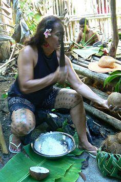 Samoan woman malu by Polynesian Xplorer