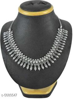 Checkout this latest Necklaces & Chains Product Name: *Twinkling Bejeweled Women Necklaces & Chain* Sizes:Free Size Easy Returns Available In Case Of Any Issue   Catalog Rating: ★4.2 (264)  Catalog Name: Twinkling Bejeweled Women Necklaces & Chains CatalogID_852031 C77-SC1092 Code: 852-5680547-195