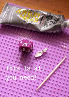 Make you own geeky D&D 20-Sided Die Pendant: highteagypsy.blogspot.com/2015/09/diy-d-20-sided-die-pend...