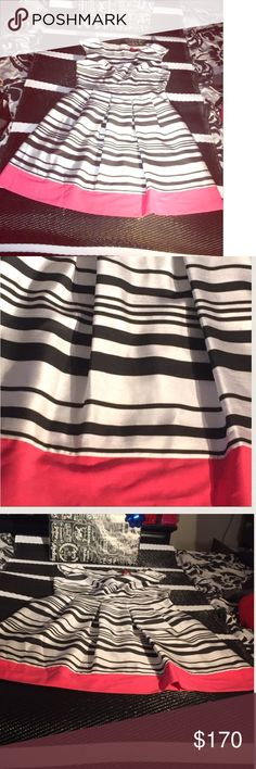 Showstopping A-Line Color Block Dress Size 10 Striped A-Line dress from Saks 5th. Super adorable, classy and beautiful! Great for work, an event and especially for the holidays. Brand new with tags! Perfect for gifting! 💥✨✨✨Free gifts with any bundle or $20+  purchase. Reasonable offers accepted! ✨✨✨💃🏽 Saks Fifth Avenue Dresses