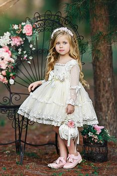 21 Country Flower Girl Dresses That Are Pretty ❤ country flower girl dresses with sleeves lace short old classic photography ❤ Full gallery: weddingdressesgui… Pretty Wedding Dresses, Wedding Flower Girl Dresses, Beautiful Dresses, Amazing Dresses, Prom Dresses, Flower Girl Dresses Country, Little Girl Dresses, Beautiful Children, Baby Dress