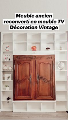 Rustic Wood Furniture, Repurposed Furniture, Tv Storage, Vintage Interiors, Creative Decor, Stores, Decoration, Bathroom Medicine Cabinet, Easy Diy