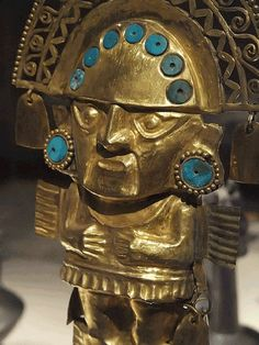 Gold Tumi made by the pre-Inca Lambayeque Culture in the north of Peru
