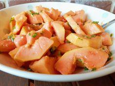 Salada de Papaia com Cebolinho, Gengibre e Sumo de Lima