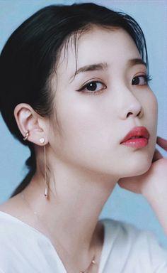 Love U Forever, Korean Beauty, Little Sisters, Korean Actors, Kpop Girls, Pretty Girls, Art Reference, Idol, Hoop Earrings