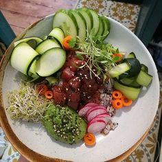 big ol' bowl of health // raw tuna poke 🐟💕💪 . . . . . . . . . #glasgowfood #glasgow #foodie #tgif #weekendfeels #healthy #healthyfood #eatwell #sushi #getit #healthybreakfast #healthylifestyle #poke #igers #instadaily #instagood #foodstagram #good #mood #yaaas