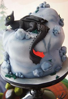 Dragon movie theme: How to Train Your Dragon Birthday Party Dessert Table: The Cake