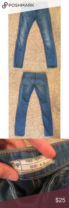 """Free People Skinny Ankle Jean Super Skinny Free People jean in a medium wash. Low rise. Inseam measures 27"""". Leg Opening 10"""". Runs true to size. Does have some stretch. In great condition-barely ever worn. Free People Jeans Skinny"""
