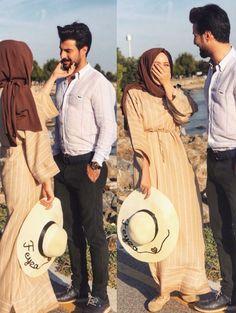 feyzahakyemez Cute Muslim Couples, Muslim Girls, Cute Couples, Muslim Couple Photography, Photography Poses, Muslimah Wedding, Muslim Family, Matching Couple Outfits, Muslim Wedding Dresses