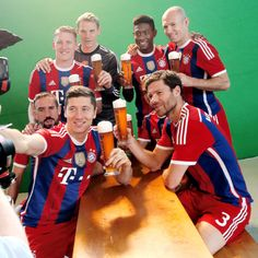 Bastian Schweinsteiger, Robert Lewandowski, David Alaba, Ribery, Manuel Neuer, Robben, Mario Gotze, Xabi Alonso, bayern münchen, bayern munich, photoshoot