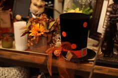 black & orange halloween top hat  Evergreen at the Lake of the Ozarks  Home Decor Store  www.EvergreenMfg.net
