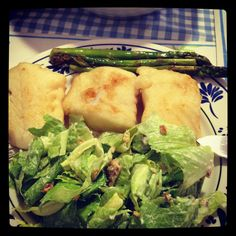 butteres haddock with green asparragus and salad