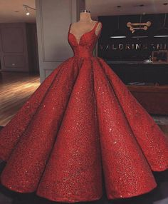 Luxus Rot Super A-Linie Langes Abendkleid V-Ausschnitt Abendkleid Hochzeitskleid Sequin Prom Dresses, Ball Gown Dresses, Pageant Dresses, 15 Dresses, Quinceanera Dresses, Pretty Dresses, Grad Dresses, Homecoming Dresses, Red Ball Gowns