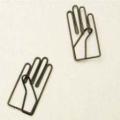 hand paperclips