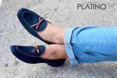 Mocasin hechos en México azul marino diseño con moño campana $799 de venta exclusiva en Tiendas Platino  www.tiendasplatino.com.mx www.facebook.com/tiendaplatino #HechoenMexico #Loafers #LoafersMexico #Slippers #SlippersMexico #Modamexicana #menstyle #mensfashion #modahombres #calzadomexico #mexico #ropamexicana #menswear #men #calzado #Platino #Cassiusshoes  #TiendasPlatino #fashion #shoes #menstyle #menshoes #style #look