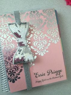 LOVE these bows!! If you love bling this is for you! The perfect accessory for your planner, this band keeps your planner closed while on