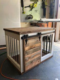 DIY Barn Door Dog Crate - buildsomething com Diy Furniture Dog Crate, Wood Dog Crate, Dog Crate Table, Diy Dog Crate, Furniture Plans, Dog Crates, Crate Bench, Diy Dog Kennel, Diy Dog Bed