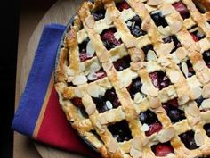 Blueberry, Strawberry & Vanilla Pie