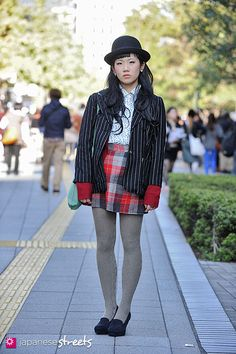121104-5245 - Japanese street fashion in Shibuya, Tokyo