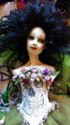 Dress in purples and greens inspired by the wisteria , in three installments. Wisteria has a buyer, but if you're interested in a doll like this please contact me. I expect to be adding new dolls later this summer. New Dolls, Paper Clay, Memento Mori, Wisteria, All Things, Purple, Handmade, Stuff To Buy, Etsy