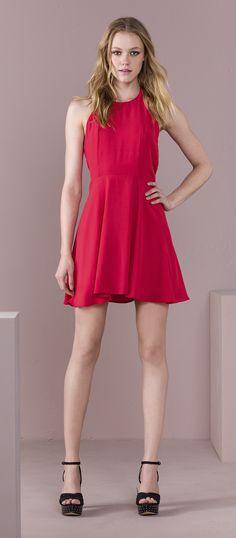 Aposte nos tons de vermelho para deixar seu look mais poderoso!