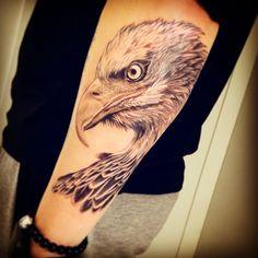 Tatuagem águia, realismo incrível, feito pelo tatuador Nilmar Colombo Dias. Tatoo
