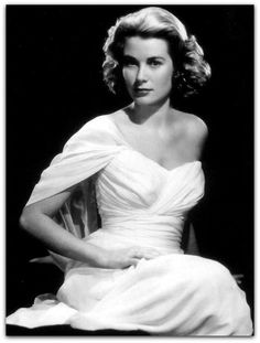 Grace Kelly entre as clientes famosas de Madame Grès http://sergiozeiger.tumblr.com/post/103979762023/madame-gres-germaine-emilie-krebs-chamado-de