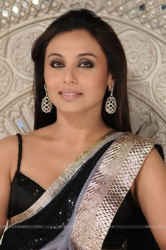 💋💋Gorgeous in Saree💋💋Rani Mukherjee 💋💋 Indian Celebrities, Bollywood Celebrities, Bollywood Actress, Bollywood Designer Sarees, Bollywood Fashion, Bollywood Makeup, Bollywood Outfits, Most Beautiful Indian Actress, Beautiful Actresses