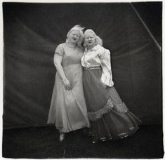 Diane Arbus: Albino Sword Swallower and Her Sister, MD.