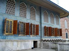 Topkapi Palace, Istanbul Islamic Architecture, Historical Architecture, Amazing Architecture, Asian Windows, Places To See, Places Ive Been, Garden Of Allah, Family Cruise, Turkey Travel