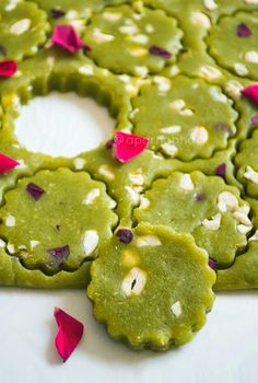 Flavors N Colors: Matar Burfi/ Green Peas Fudge ~ Rose Cardamom Flavors Falooda Recipe, Modak Recipe, Burfi Recipe, Indian Dessert Recipes, Indian Sweets, Creative Desserts, Creative Food, Vegetarian Recipes Easy, Snack Recipes