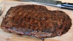Want a new recipe for dinner or your nextcookout? Try out this flavorful steak! Ingredients (for 4 servings) 1 trimmed flank streak (1 1/2 to 2 lbs) salt