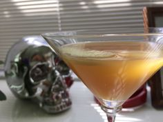 I need a break from cooking - mmmm - that's better! Martini, Alcoholic Drinks, Thanksgiving, Apple, Cooking, Tableware, Glass, Blog, Liquor Drinks