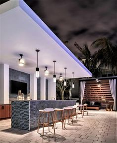 Here you can find outdoor bar ideas that satisfy your hopes and dreams. Designing an outdoor bar is a lot enjoyable. Choose from these layouts to make it simpler! Modern Outdoor Kitchen, Outdoor Kitchen Bars, Backyard Kitchen, Outdoor Spaces, Outdoor Bars, Outdoor Kitchens, Outdoor Cooking Area, Outdoor Patio Bar, Backyard Bar