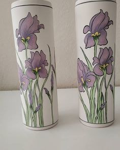 Ceramics Projects, Bottle Painting, Ceramic Painting, Tulips, Art Nouveau, Glass Vase, Eminem, Pottery, Clay