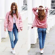 Iga Wysocka -  - Pink biker jakcet