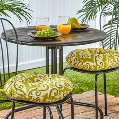 Round 15-inch Outdoor Bistro Chair Cushions (Set of 2) | Overstock.com Shopping - The Best Deals on Outdoor Cushions & Pillows