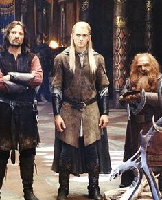 Aragorn, Legolas, Gimli [this is a great shot to showcase some costumeage] Beau Film, Fellowship Of The Ring, Lord Of The Rings, Jackson, Legolas Und Aragorn, O Hobbit, J. R. R. Tolkien, Into The West, Middle Earth