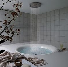 Bathroom Design on Rain Shower Bathtub Bathroom Design Interior Design Ideas Bathrooms Rain Shower Bathroom, Shower Tub, Shower Heads, Rainfall Shower, Dream Shower, Bathtub Dream, Huge Shower, Shower Stalls, Shower Rooms