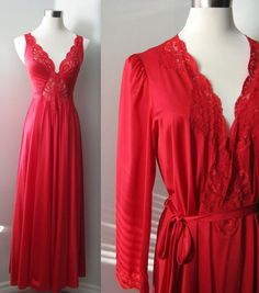 I.....MUST....HAVE!!!!! Vintage Olga Nightgown Peignoir Set Red 1970s Size by TwoMoxie