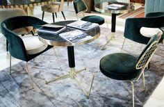 Samt Sessel Grün Marmortisch